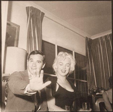 Marilyn Monroe & Milton H. Greene.